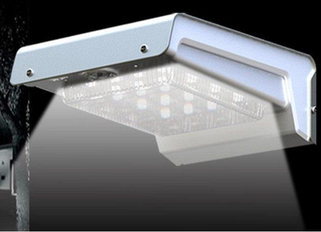 Plafoniera Da Esterno A Batteria : Lampada led solare intelligente a muro da esterno con sensore di
