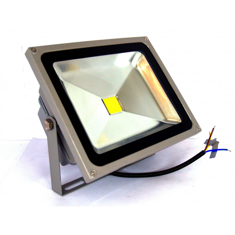 Foco LED impermeable interior exterior 30W 220V luz natural neutra de alta calidad